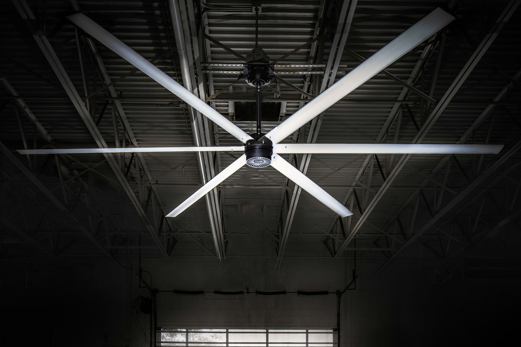 How HVLS MacroAir Fans Help Warehouse Ventilation